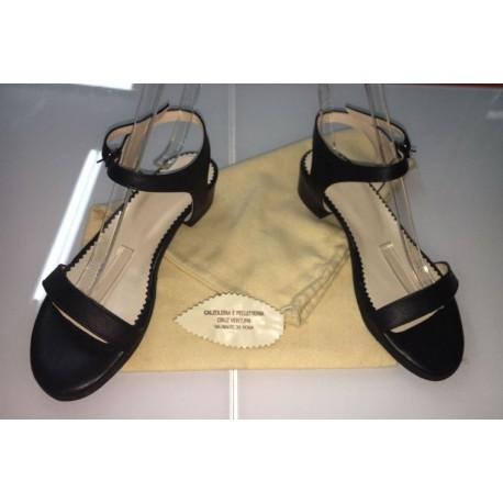 Sandali a fascetta in pelle colore nera
