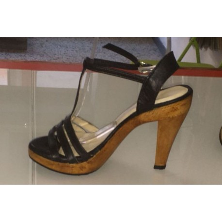 Sandali a strisce