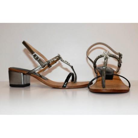Sandali gioiello, in pelle colore marrone e tacco argento