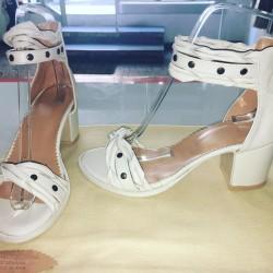 Sandalo in colore panna