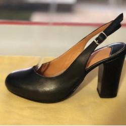 Chanel in pelle liscia colore nero
