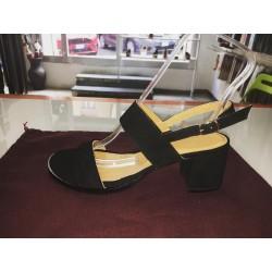 Sandali a due fasce in camoscio colore nero