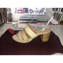 Sandali in pelle liscia
