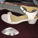Sandali in pelle colore bianco
