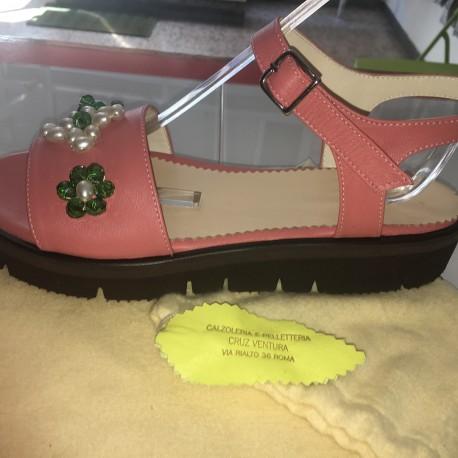 Sandali in pelle colore rosa