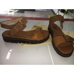 Sandali con fibbia
